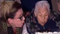 Abuelita de Thalía celebra 102 años