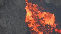 Explosiones y ríos de lava brillante: el volcán Etna despliega su furia