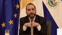 Ante críticas, Bukele defiende destitución de magistrados en El Salvador