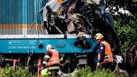 En imágenes: descomunal choque de trenes deja muertos y heridos