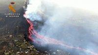 Desde el aire: así avanzan los ríos de lava en la isla española de La Palma